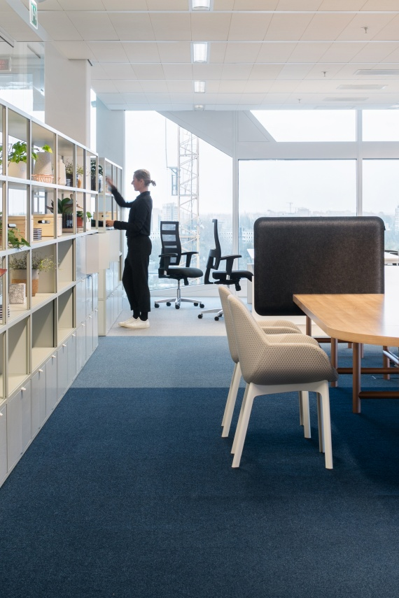 De-Vorm-AK-1-Workplace-Divider-Eden-McCallum-6-HiRes_1