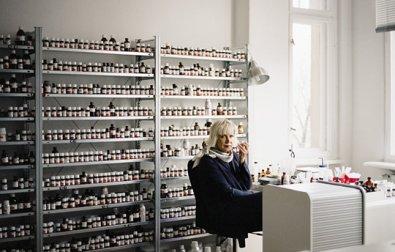 sissel-tolaas-in-her-studio-photo-credit-madperfumista-com