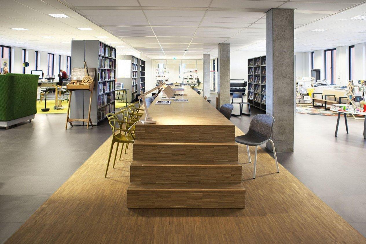 HMC-College-Rotterdam-33333-De-Vorm-Clip-Chair-by-MirjamSuiker