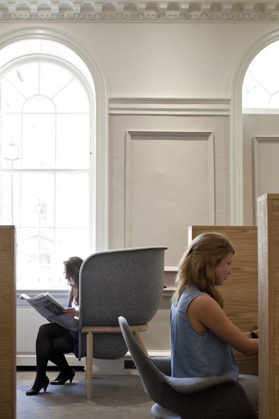Benjamin Hubert Pod Chair De Vorm Office Group London